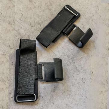 Hook straps med kraftig kroge der holder fast.