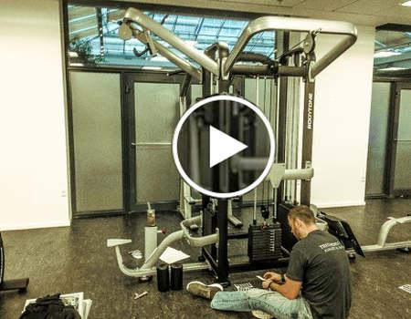 Se vores youtube film fra installation af et trænignsrum
